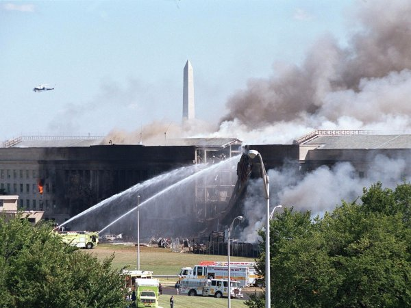 4 the-scene-at-the-pentagon-was-equally-horrifying-but-the-building-itself-remained-standing.jpg