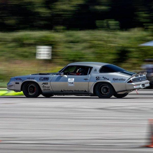 logan's Camaro rh turn rear travel.jpg