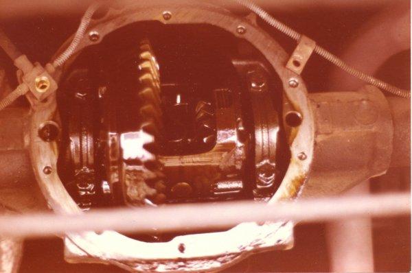 my 74 Z28 rear axle-posi unit.jpg