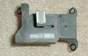 1972 - 74 1994148 wiper switch  w/ standard wipers  click to view backside